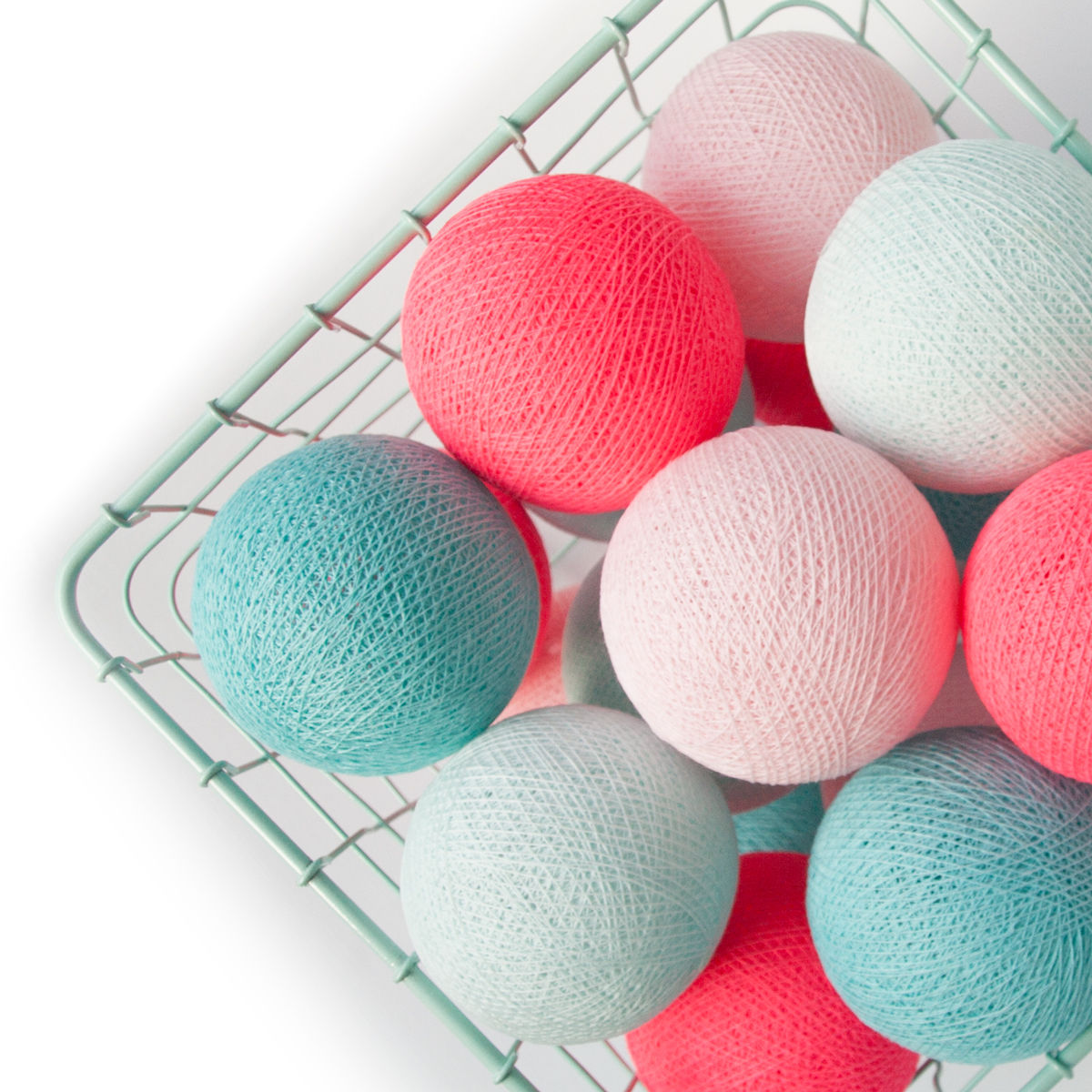 Cottonball lights mint pink M