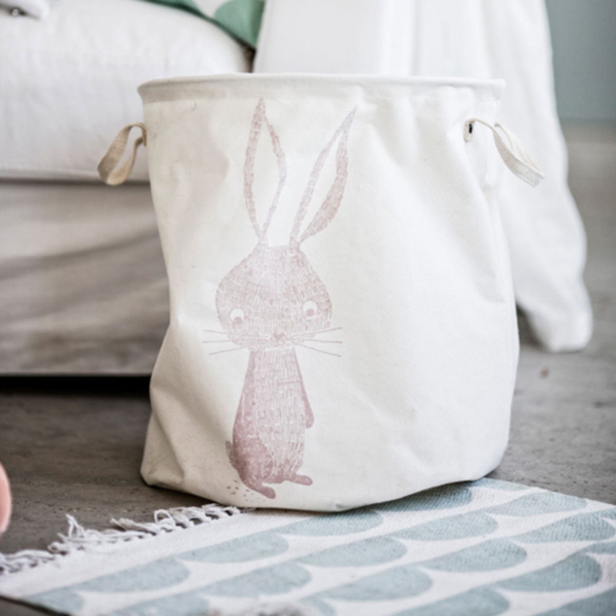 eightmood mand rabbit
